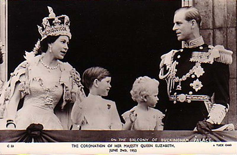 Queen Elizabeth II | in a Grand Fashion