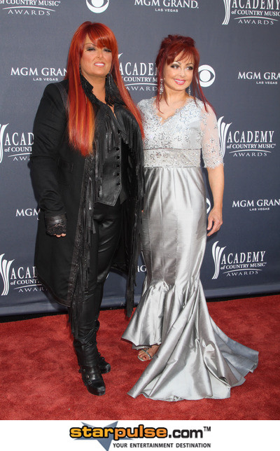 Wynonna and mother