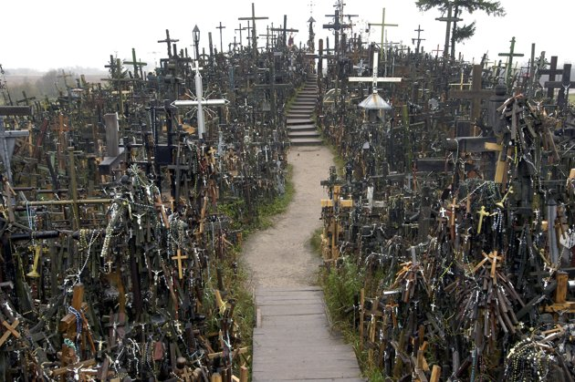 Crosses in Lithuania  (a RayTang photo)