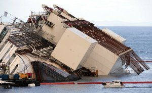 Costa Concordia upright salvage5