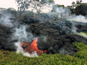 lava phot US Geological Survey Volcano eruption June 2014