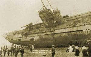 WWI  submarine washes ashore in England