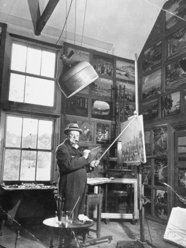 winston-churchill-painting-in-studio