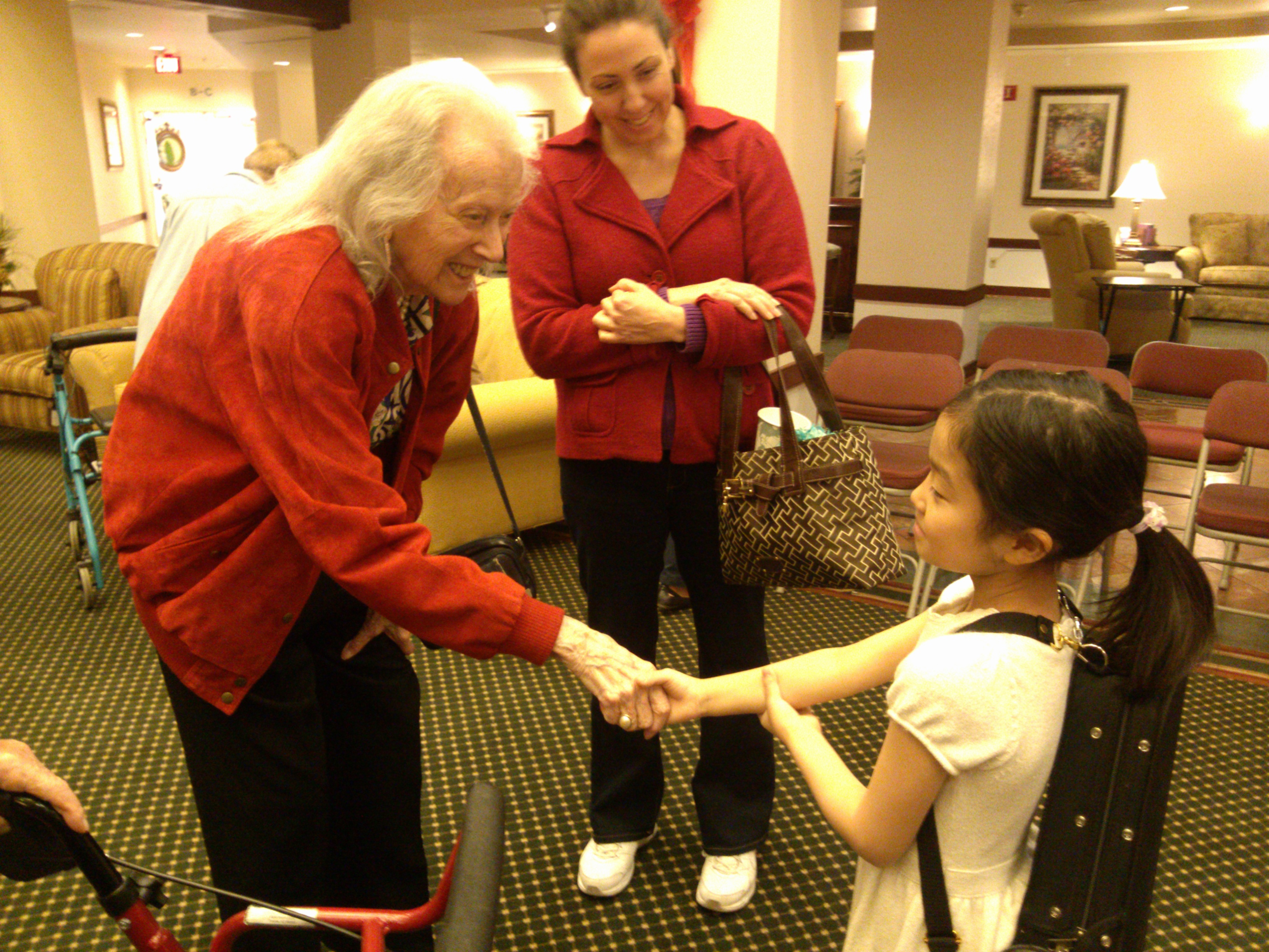 elizabeth-aoki-plays-at-a-nursing-home