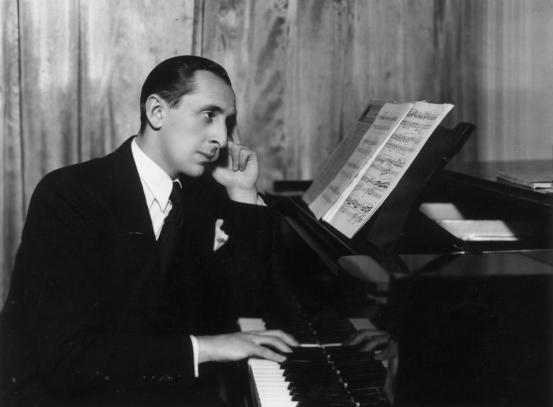 vladimir-horowitz-at-piano
