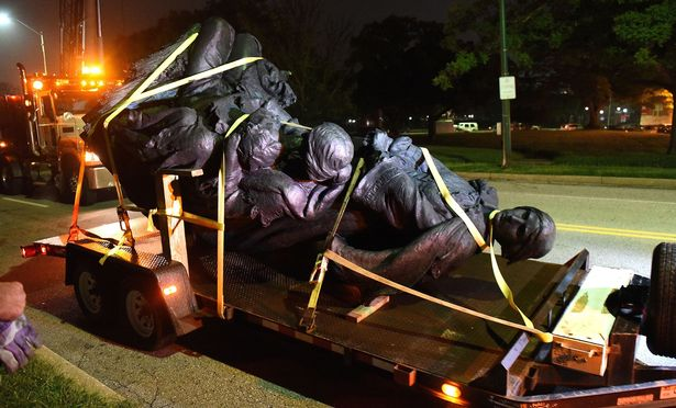 Removal-of-Confederate-statues-Baltimore-USA-16-Aug-2017