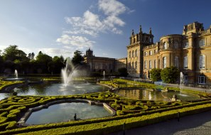 blenheim-palace Gardens in England