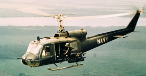 american-gunners-firing-from-helicopters-P