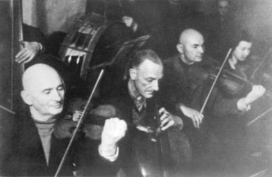nazi-concentration-camp-music-orchestra-high