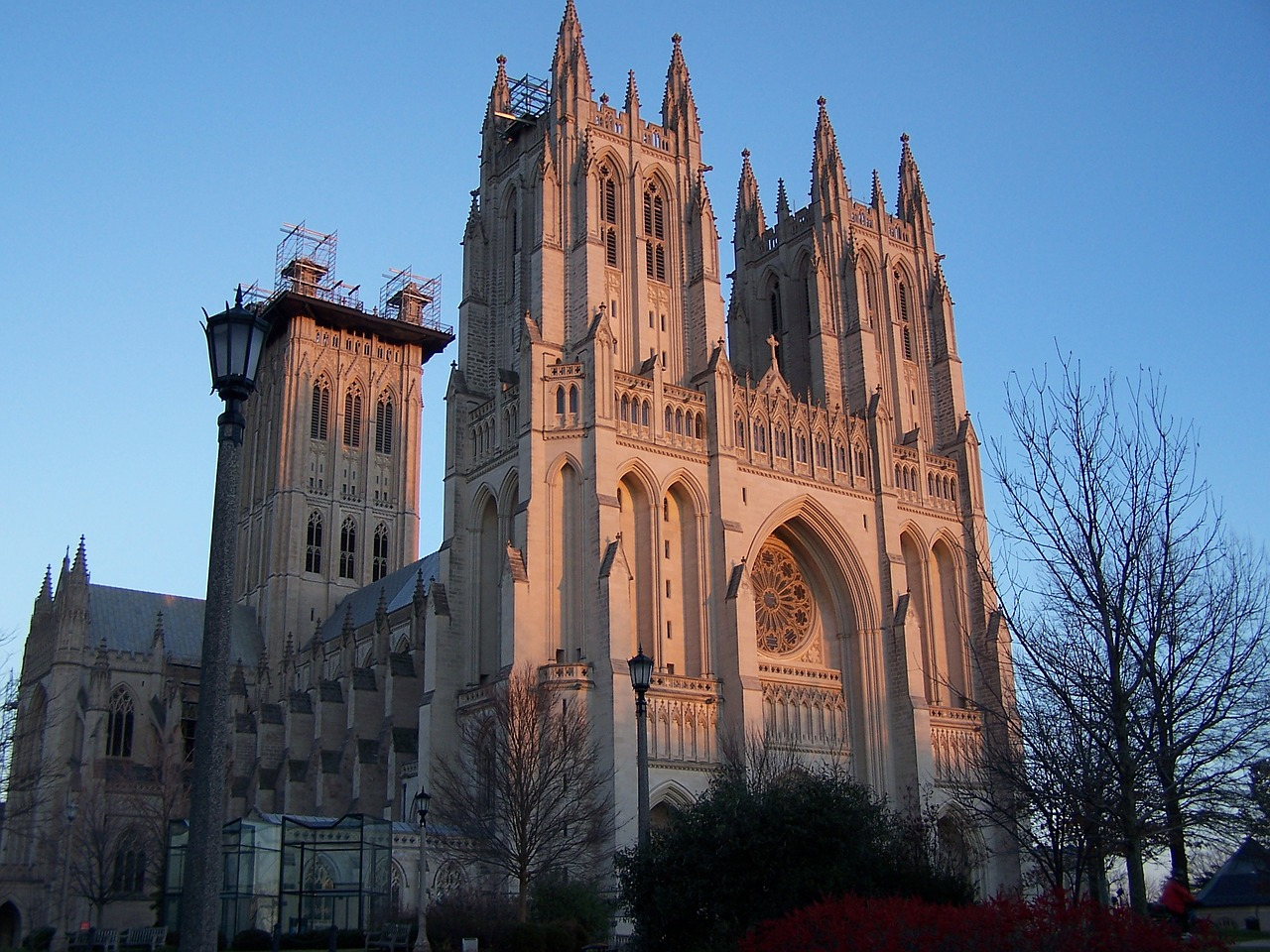 National Cathedral DC outside